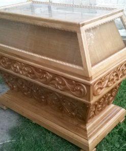Гробница дубовая с ручной резьбой под лак