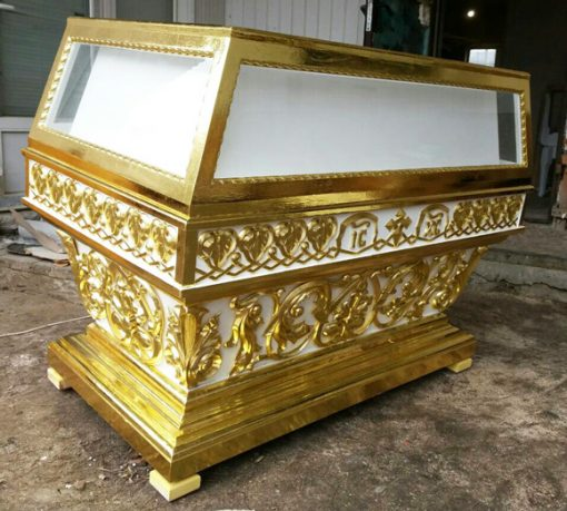 Гробница большая белая с позолотой