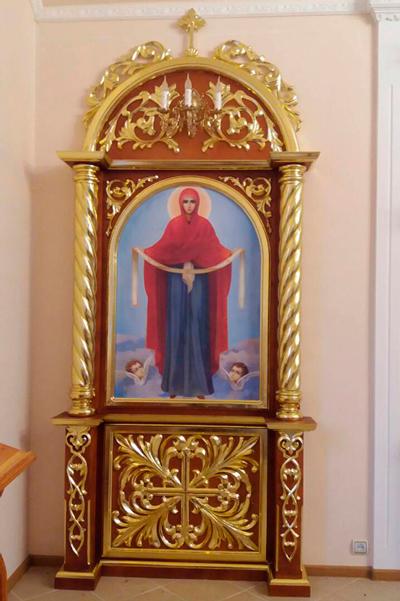 Церковные киоты для икон с золочением