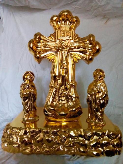 Церковный крест из гипса с позолотой