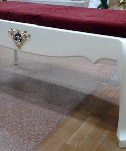 Лавка для церкви с тканью