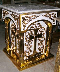 Белый панихидный стол с золочением