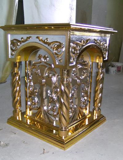 Панихидный стол из дерева резной